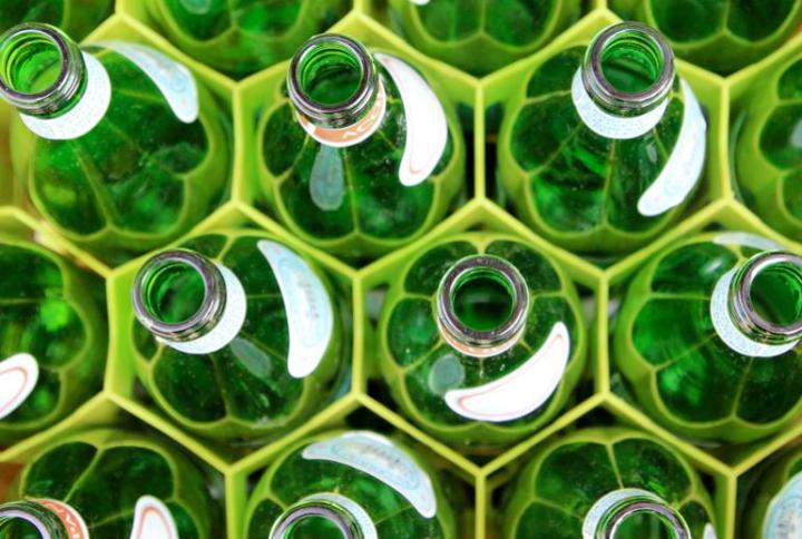 Acqua a domicilio: come una volta, vuoto a rendere e sostenibile